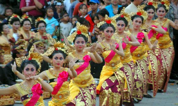 "festivals in indonesia Festival indonesia 2018 902 likes 日本インドネシア国交樹立60周年を記念して2018年7月28日(土)29日(日)に日比谷公園にて""フェスティバルインドネシア2018""が開催されます!."